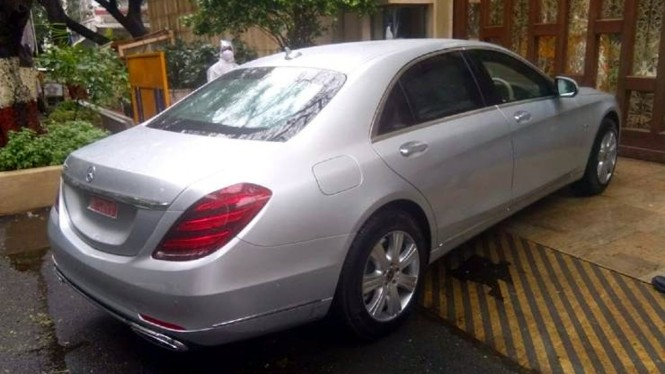 Mercedes-Benz S600 Guard milik Mukesh Ambani