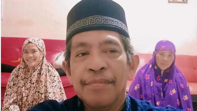 Imam Tarawih Keluarga (foto dok Nur Terbit)