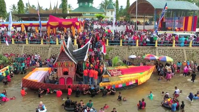 Tradisi Balimau Sumatera Barat