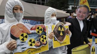 Protes terhadap rencana pembuangan air limbah ke laut  oleh pemerintah Jepang