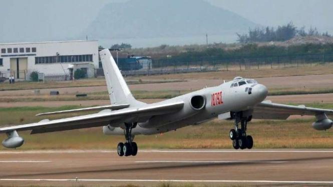 VIVA Militer: Pesawat pembom Tupolev Tu-16