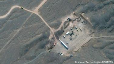 https://thumb.viva.co.id/media/frontend/thumbs3/2021/04/14/607673d727eb3-serangan-siber-israel-lumpuhkan-fasilitas-nuklir-iran_375_211.jpg