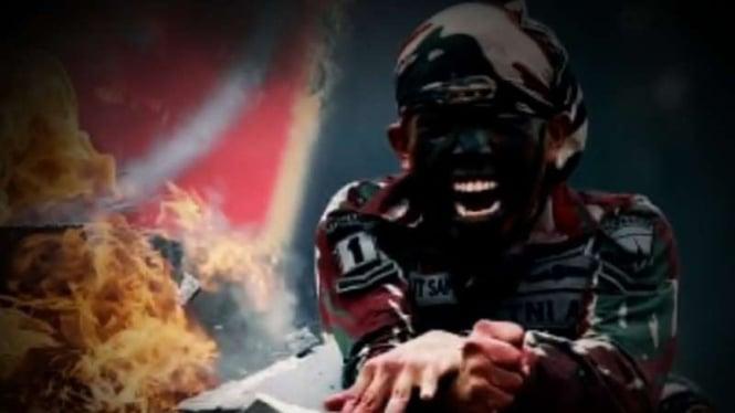 VIVA Militer: Prajurit Kopassus hancurkan tumpukan batu dengan tangan kosong