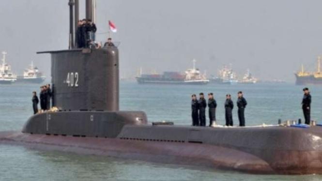 VIVA Militer: Kapal selam KRI Nagabanda (402)  TNI Angkatan Laut