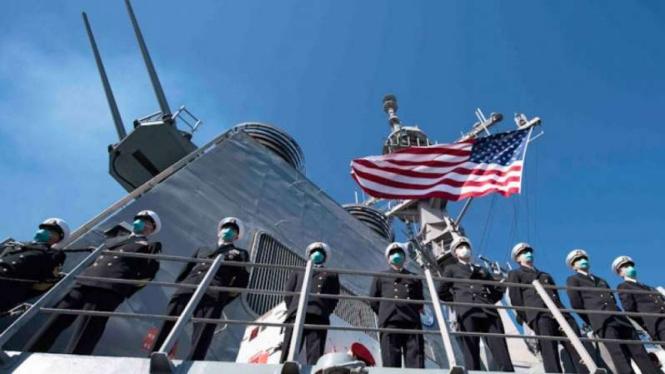 VIVA Militer: Prajurit Angkatan Laut Amerika Serikat (US Navy) di kapal perang