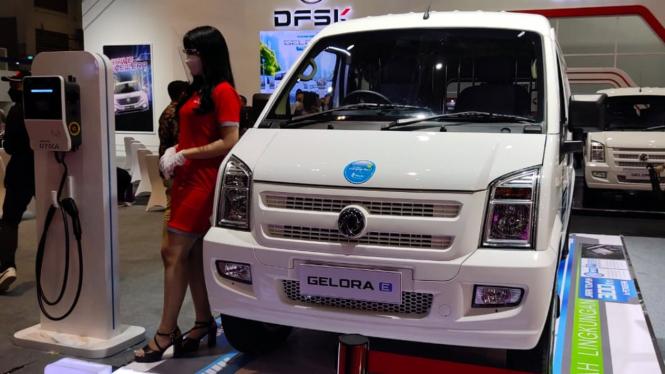Mobil DFSK Gelora E