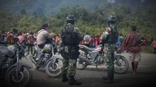 VIVA Militer: Prajurit TNI mengamankan wilayah Papua dari gangguan keamanan.