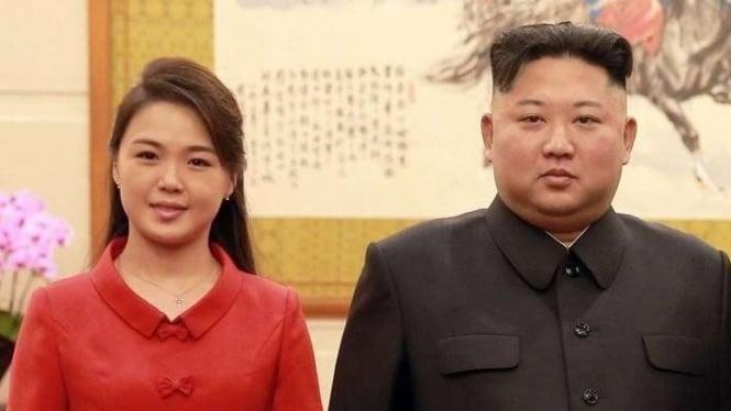 Pemimpin Korea Utara Kim Jong Un dan istrinya Ri Sol Ju,