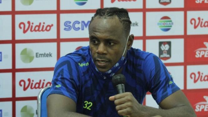 Bek Persib, Victor Igbonefo