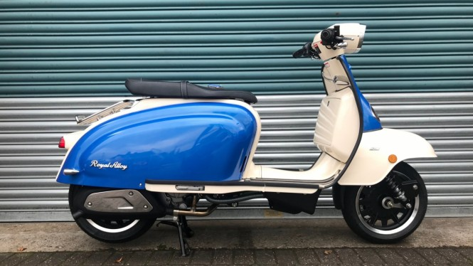 Sepeda motor Royal Alloy