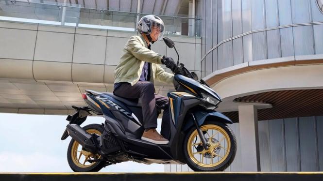 Sepeda motor Honda Vario 125 warna baru