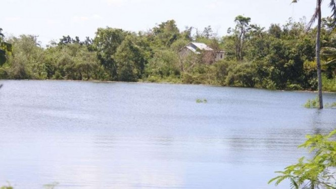Danau baru terbentuk di daerah Tankolo, Kelurahan Sikumana, Kota Kupang, Nusa Tenggara Timur (NTT), setelah siklon tropis seroja menerjang daerah itu pada 4 April 2021.