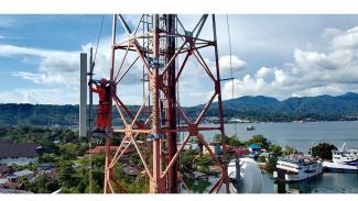 Menara BTS Indosat.