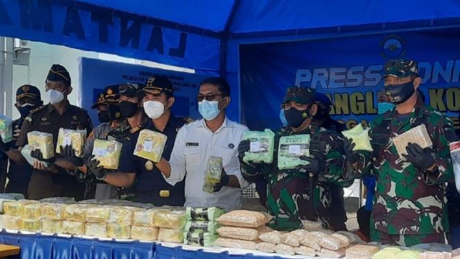 Kasus penyelundupan narkoba di Mako Lantal I Belawan, Kota Medan.