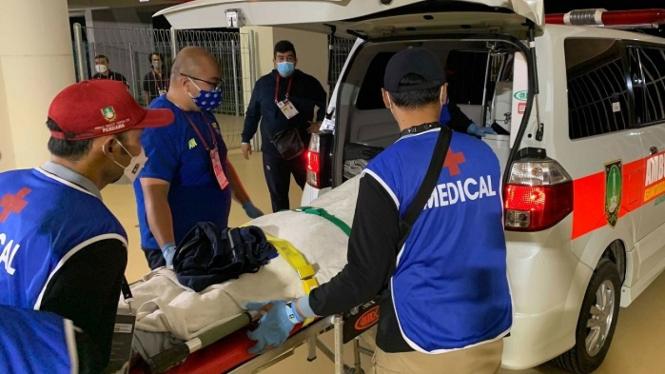 Gelandang Persib Bandung, Dedi Kusnandar dilarikan ke rumah sakit