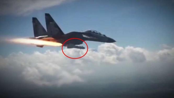 VIVA Militer: Rudal Rusia melesat dari perut Sukhoi TNI.