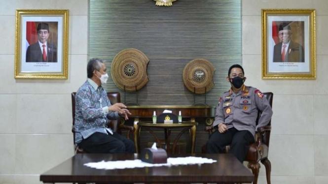 Kapolri Jenderal Listyo Sigit Prabowo bertemu dengan Dirjen Bea Cukai Askolani