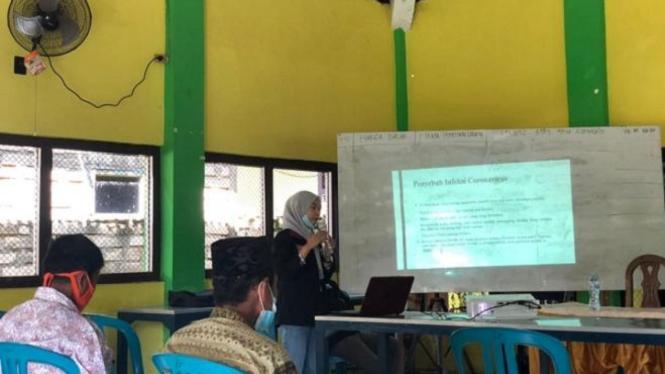 Foto Kegiatan Program Penyuluhan Oleh Mahasiwa Kelompok 49 PMM Universitas Muhammadiyah Malang