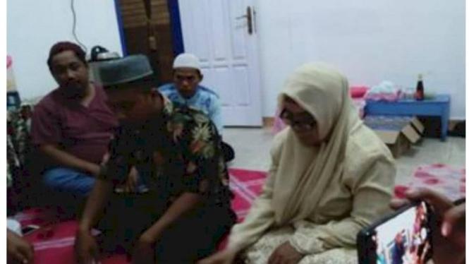 Pernikahan beda usia yang cukup jauh antara pasangan dari Garut dan Nunukan.