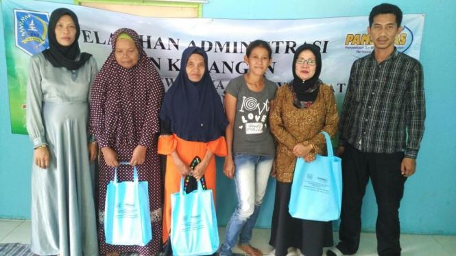 Perempuan Dalam Pembangunan Air Minum dan Sanitasi di Pedesaan