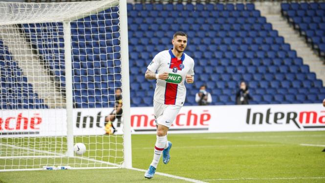 Penyerang PSG, Mauro Icardi bobol gawang Angers