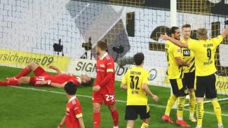 Pemain Borussia Dortmund merayakan gol ke gawang Union Berlin