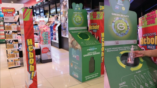 Ilustrasi daur ulang kemasan plastik