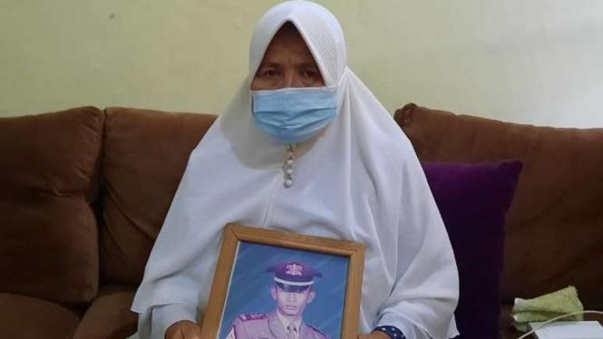 Ida Farida, ibunda Kolonel TNI AL Harry Setiawan.