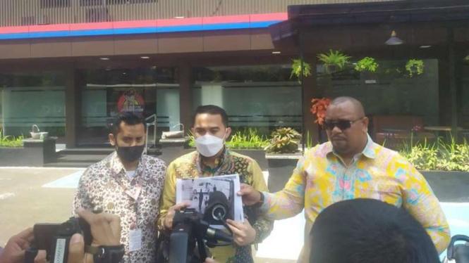 Kuasa hukum Nguan Seng alias Henky (82) melaporkan oknum polisi ke Propam Polri