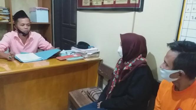 Sepasang suami istri ditangkap polisi karena menipu calon PNS.