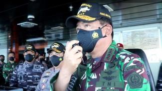 VIVA Militer: Panglima TNI onboard saat memantau pencarian KRI Nanggala 402