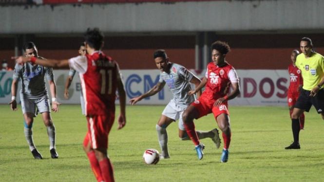Pertandingan Persija Jakarta vs Persib Bandung