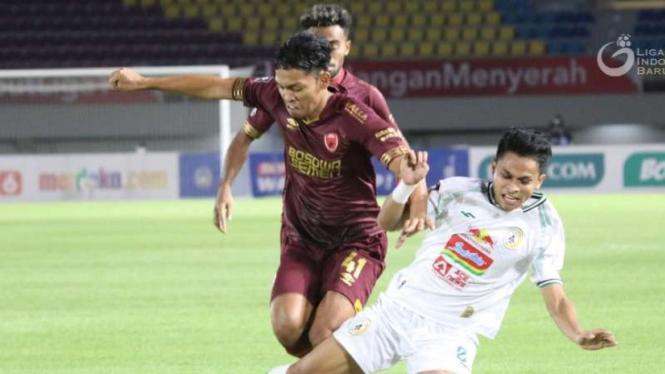 Duel PSM Makassar vs PSS Sleman