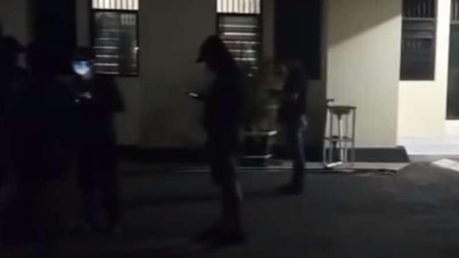 VIVA Militer: Prajurit TNI Angkatan Laut geruduk Polsek Kalasan
