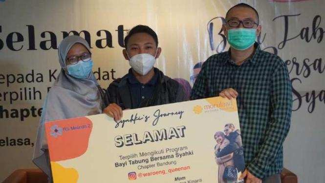 Pasangan suami-istri yang mendapatkan kesempatan untuk mengikuti program bayi tabung secara gratis di Morula IVF Melinda, Bandung, Jawa Barat.