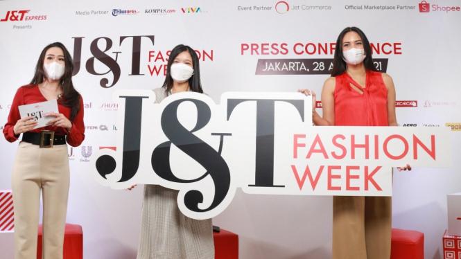 J&T Fashion Week.