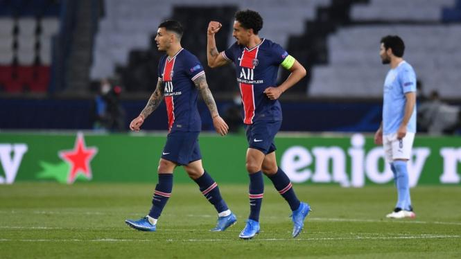 Kapten Paris Saint-Germain (PSG), Marquinhos, merayakan gol saat melawan Manchester City