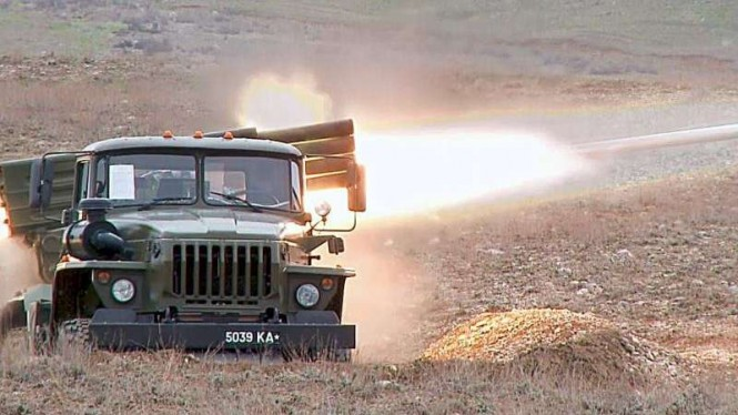 VIVA Militer: Roket militer Tajikistan ditembakkan ke arah pasukan Kirgistan