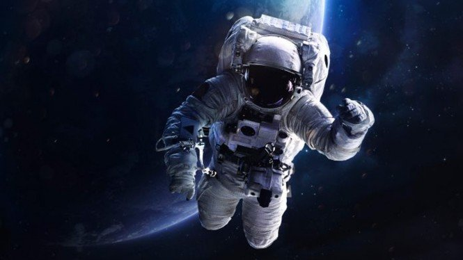 Astronot.