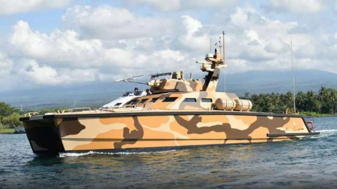 VIVA Militer: Tank Boat buatan PT Pindad ketika pengujian di perairan Banyuwangi