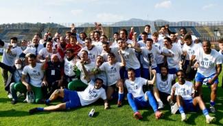 Pemain Como rayakan promosi ke Serie B