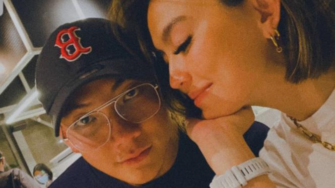 Agnes Monica dekat dengan Adam Rosyadi