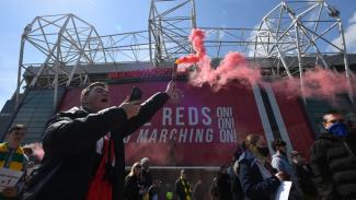 Suporter MU protes di Old Trafford