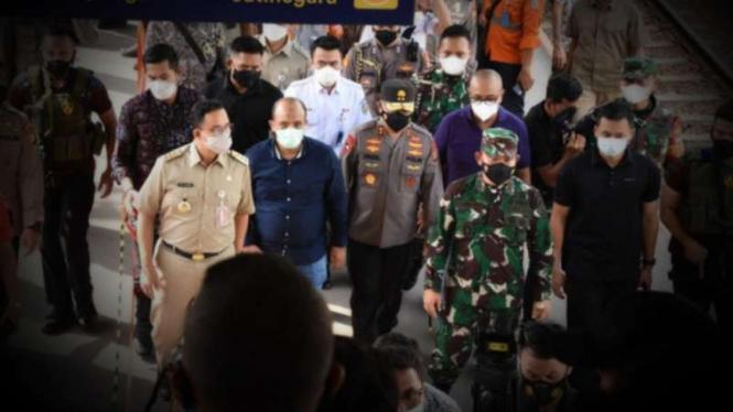 VIVA Militer: Pangdam Jaya Mayjen TNI Dudung Abdurachman sidak ke Tanah Abang