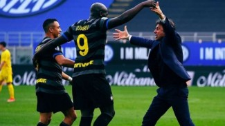 Antonio Conte dan para pemain Inter Milan.