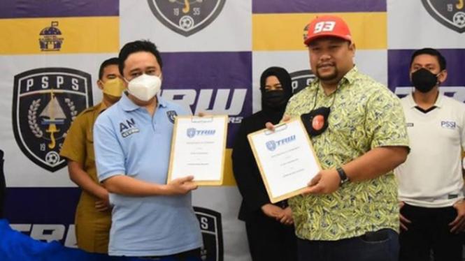 Pengusaha asal Malaysia, Norizam Tukiman resmi jadi pemilik klub PSPS Riau.