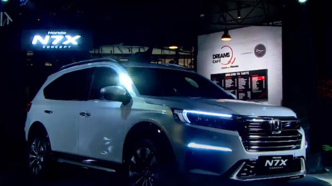 Peluncuran mobil Honda N7X Concept