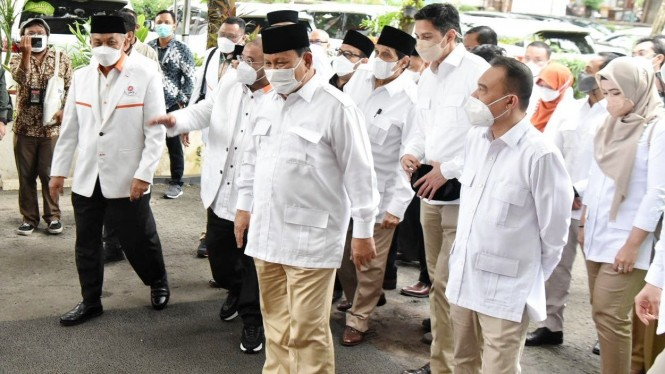 Ketum Gerindra Prabowo Subianto bertemu dengan Presiden PKS Ahmad Syaikhu.