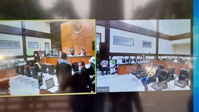 Sidang lanjutan perkara swab test Habib Rizieq di PN Jakarta Timur.