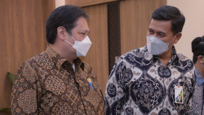 Menteri Koordinator Perekonomian Republik Indonesia Airlangga Hartarto di sela-sela kegiatan audiensi bersama dengan Direksi dan Dewan Pengawas BPJAMSOSTEK